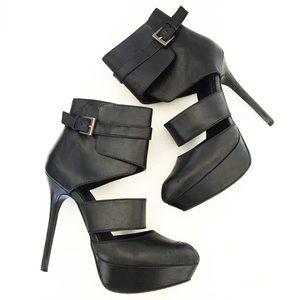 Trouve Black Leather Pointy Toe Platform Heels